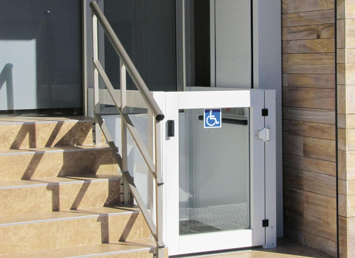 plateforme verticale pmr instalaci n y mantenimiento de ascensores aportamos soluciones al. Black Bedroom Furniture Sets. Home Design Ideas